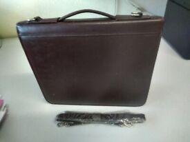 Burgundy leather zipped portfolio/conference case