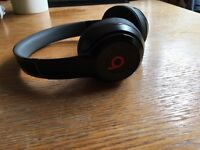 Wireless DRE BEATS headphones, with box and packaging, only had for 2 weeks