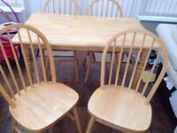 Table and 4 chairs in great condition £55