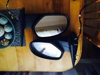 Set of mirrors for 2011 GMC Sierra / Chevrolet Avalanche