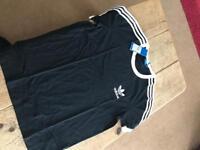 Adidas t- shirt size 14