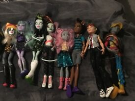 Monster High Bundle 29 Figures and Dolls Moped. Ideal for Christmas