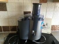 Philips Juicer HR1858