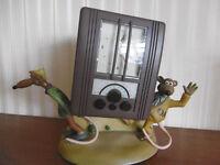 Wallace and Gromet radio/clock/alarm