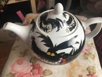 Simon key teapot