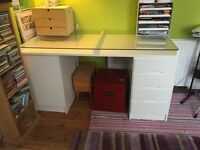 IKEA desk excellent condition it would look brilliant in a home office or work