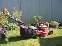 """A powerful Snapper commercial 6.0 motor mower. 6 cutting levels managed with 1 lever; 600mm/24"""" cut"""