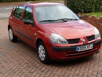 2005 Renault Clio 1.2 5 doors - ONLY 64k MILES- LONG MOT - SERVICE HISTORY - P/X OK