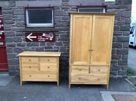 Solid oak Willis and Gambier chest of drawers * free furniture delivery *