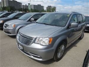 2015 Chrysler Town & Country Touring - Leather  Pwr Doors  Remot