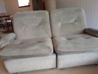 Cream coloured 3 piece sofa suite