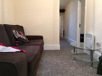 Nice and Cosy Single Bedroom in Great 5 bedroom Flat