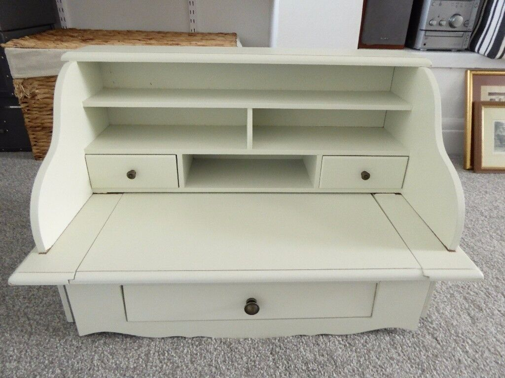 White MDF writing table