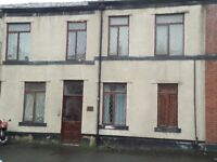 2 bed ground floor flat available on Walshaw Road in Bury