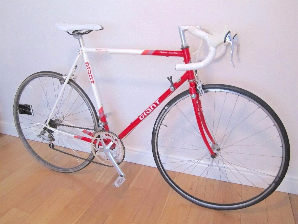 57cm Giant Peloton lightweight vintage bikein Hackney, LondonGumtree - MORE INFO / SARBICI CO UK COURIER DELIVERY TO WORLDWIDE (UK FREE) Contact email info at sarbici co uk or whatsapp 07825604039 An early 90s Giant Peloton lightweight bike made with CR MO 4130 tubing in good condition. Ideal for training and city...