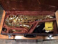 Yamaha YAS-32 alto saxophone with original hard case