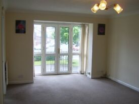 Large 2 Bedroom Apartment in Whitefield near shops, restaurants and Metrolink