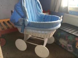 Baby crib deluxe