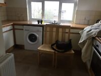 TWO BEDROOM FLAT GROUND FLOOR WITH GARDENNEAR TO THE RAYNERSLEN STATION