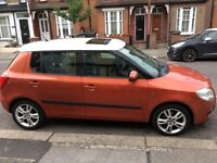 Skoda Fabia 1.6 with DAB, Bluetooth, CD player, iPod connection, Electric sunroof, electric windows