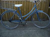 ladies raleigh bike with rear shopping basket