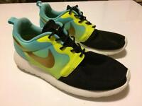 Nike Roche trainers as new size 4.5