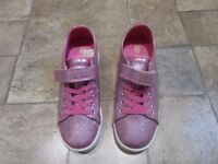 Heelys Pink Girls Shoes. Size 2 UK Excellent Condition