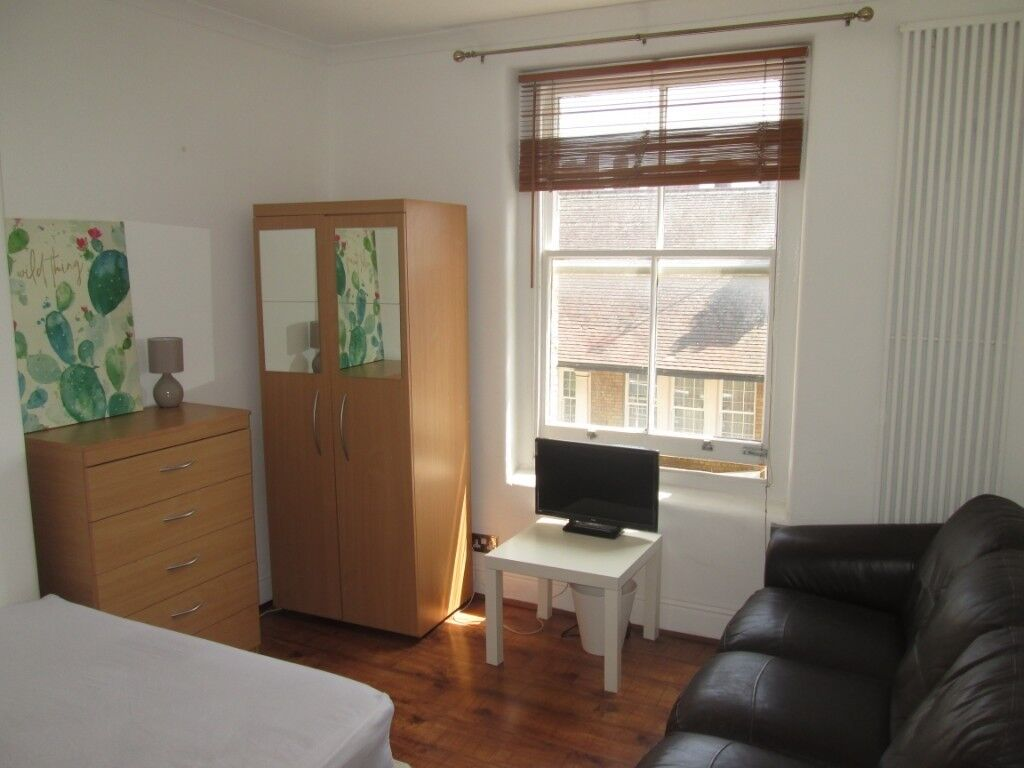 Short term victoria central london a spacious modern double room with most bills inc
