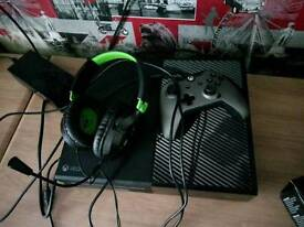 Xbox 1 1tb and games