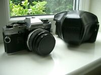 OLYMPUS OM10 35MM CAMERA WITH 50MM LENS AND CASE