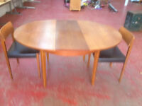 Very Nice Vintage Retro G Plan Style Extending Teak Oval Dining Table & 2 Matching Chairs
