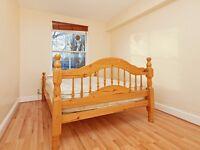 SUPER 1 bed part-furnished in Hackney with gated PARKING / September (DALSTON, HOMERTON, AMHURST)
