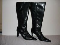 Women's Tamari Boots Size 6 £10 (ono) Brand new in Black