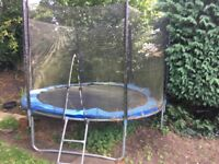 10 foot trampoline, god condition needs cleaning. absoluetly free. hurry up