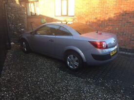 Stunning Megane convertible. Only 28k warranted miles. Full service. Not vw focus corsa Astra polo