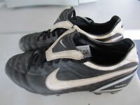 FOOTBALL SHOES NIKE VERY GOOD CONDITION!