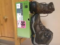 NEW AND BOXED SIZE 7 WALKING BOOTS