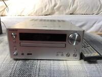 Silver ONKYO CD receiver CR-545UKD