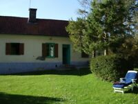 A fisherman's dream and a bargain! Cottage in Northern France with direct access to river.