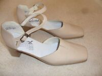 ladies shoes size 6.5