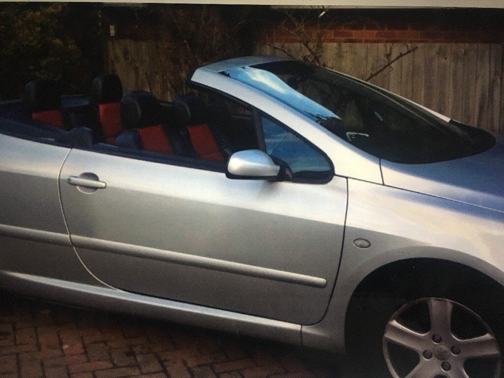 Silver Peugeot 307cc coupe, convertible, manual, leather seats. MOT'd