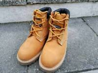 Groundwork steel to cap boots (size 7)