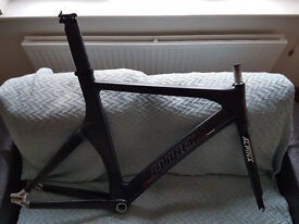 Planet X Pro Carbon Track frame (L) + Alpina road fork