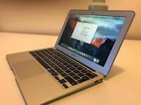 MacBook Air (11-inch, Mid 2013) 128GB SSD, 4GB RAM, 1.3GHz Core i5