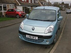 Renault Kangoo wheelchair / disabled access vehicle with a/c 61 reg 2011