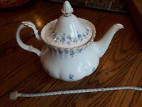 Practically brand new Royal Albert Memory Lane Large Teapot - Forget Me Nots
