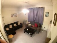 Room in a fantastic maisonette in Brixton - 8 mins from station