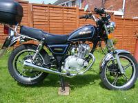 Suzuki 125 cc very good condition full m.o.t