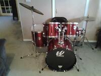 Great  condition 5 pc Westbury drum kit