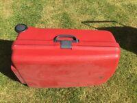 2 wheel Carlton hard suitcase (red)
